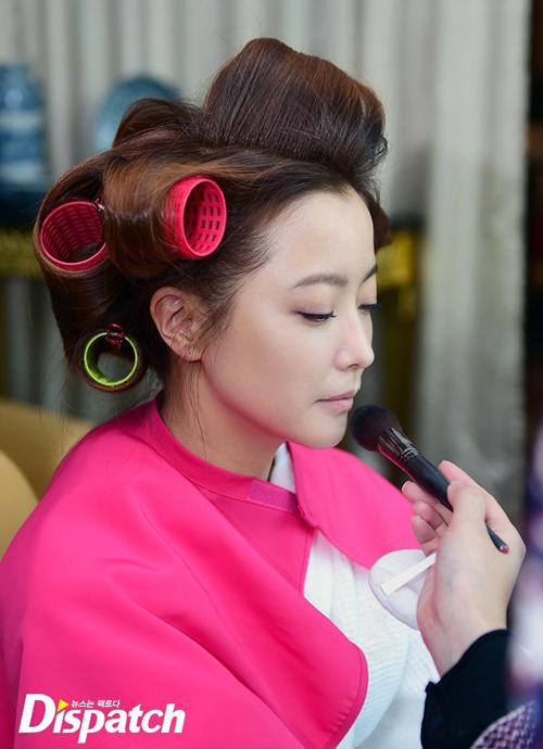 kim-hee-sun-lo-mat-moc-dep-khong-ty-vet-3