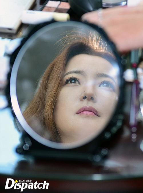 kim-hee-sun-lo-mat-moc-dep-khong-ty-vet-8