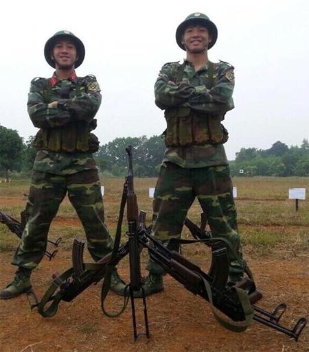 Trung vệ Tiến Dũng 'đi bộ đội' trước khi hội quân cùng U23