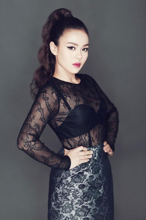chieu-lai-dang-sau-sinh-than-toc-cua-sao-viet-4