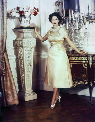 Công chúa Margaret, cô em gái nổi loạn của Nữ hoàng Anh, cũng từng dính bê bối khi bị cho là có quan hệ đồng tính với Sharman Douglas, con gái của đại sứ Mỹ tại Anh. Câu chuyện về đời tư của Margaret từng được đưa vào phim và được chiếu trên Channel Four vào tháng 9/2005.