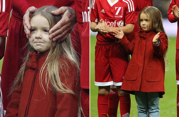Cô nhóc Harper đáng yêu xuống sân cùng bố và hai anh Romeo, Cruz. Ảnh: Hello, 163.