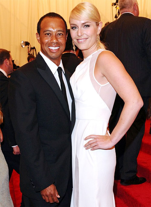 Hai tháng sau khi ly dị chồng, Lindsey Vonn và Tiger Woods chung bước.