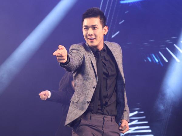 dong-nhi-mac-ngan-cun-khoe-chan-dai-11