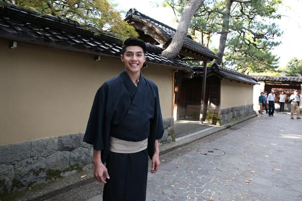 co-gai-nhat-giup-noo-phuoc-thinh-mac-ao-kimono-9