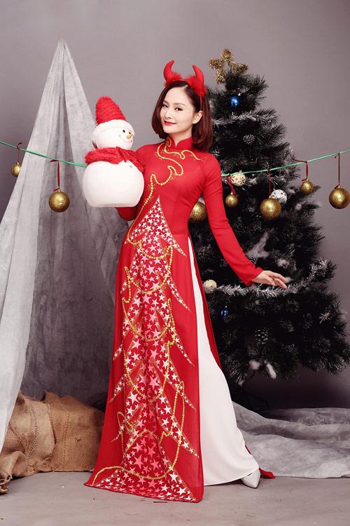 lan-phuong-ruc-ro-ao-dai-don-giang-sinh