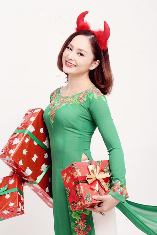 lan-phuong-ruc-ro-ao-dai-don-giang-sinh-3