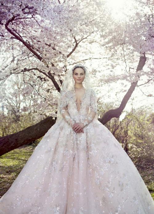Váy cưới cổ tích của Ysa Makino mùa xuân 2016