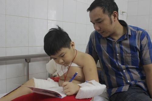 Cậu bé 6 tuổi nhường sự sống cho bà ngoại