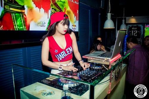 Góc khuất đắng cay của các nữ DJ trẻ