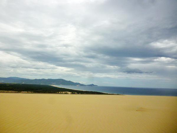 Đến Phương Mai nhớ trải nghiệm trượt cát. Ảnh: Cát Minh.