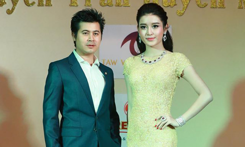 Huyền My rạng rỡ bên nam diễn viên Myanmar
