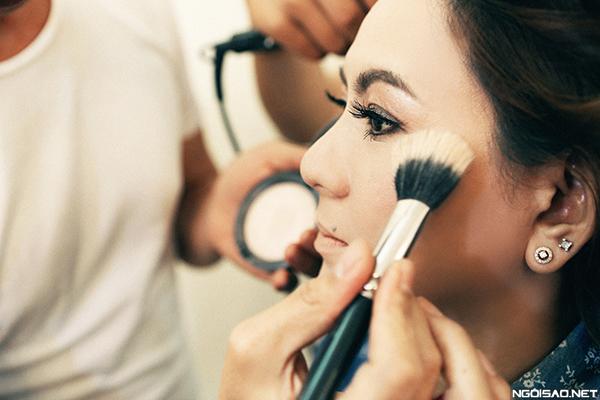 makeup-khac-phuc-da-xau-cho-co-dau-tren-40-tuoi-9