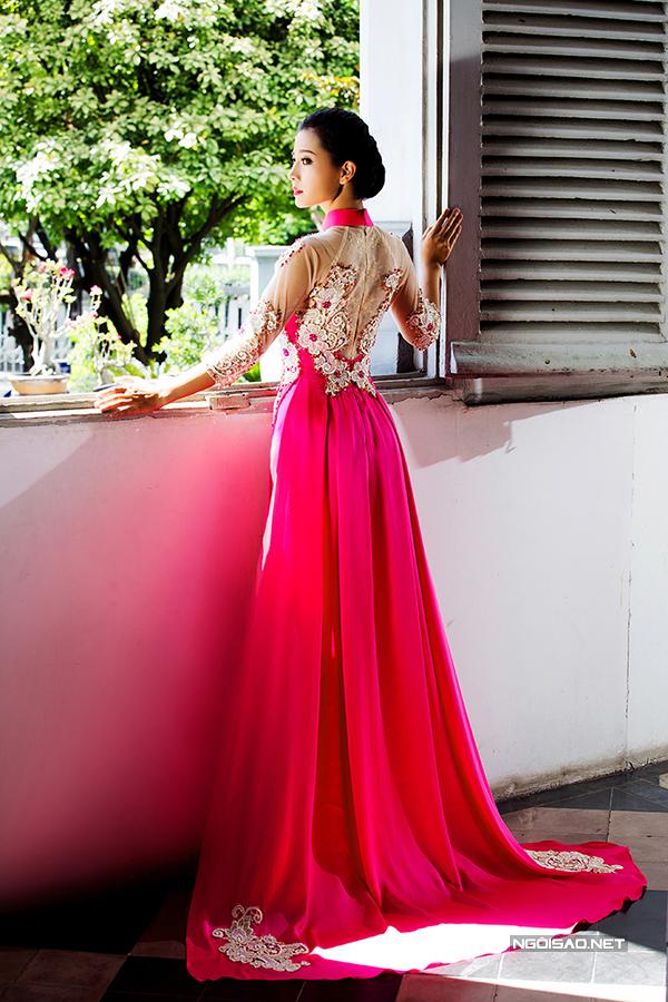 Khánh Hiền kiêu sa diện áo dài cưới tinh xảo
