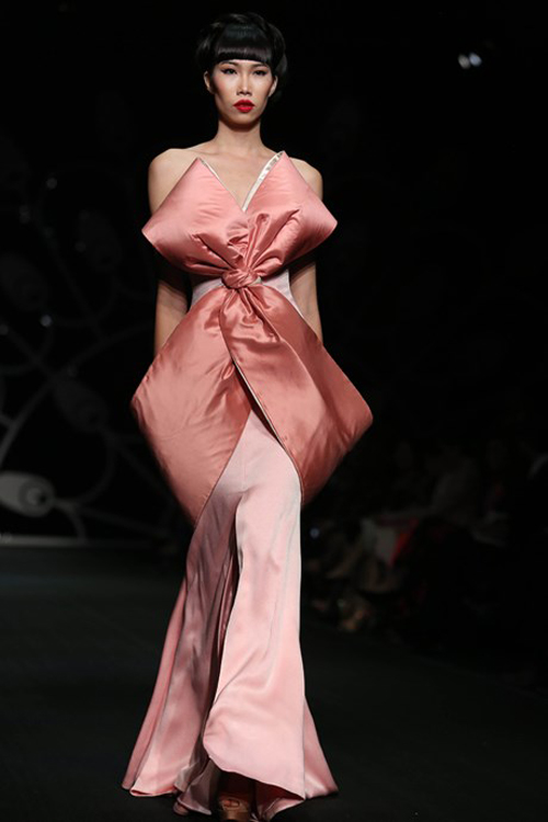 thoi-trang-viet-2015-nhon-nhip-fashion-show-7