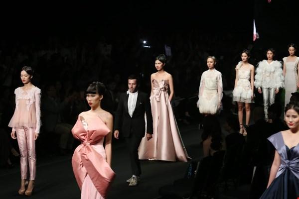 thoi-trang-viet-2015-nhon-nhip-fashion-show-6