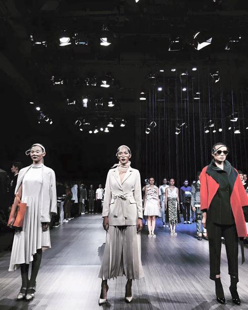 thoi-trang-viet-2015-nhon-nhip-fashion-show-10