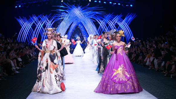 thoi-trang-viet-2015-nhon-nhip-fashion-show-4