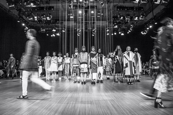 thoi-trang-viet-2015-nhon-nhip-fashion-show-11