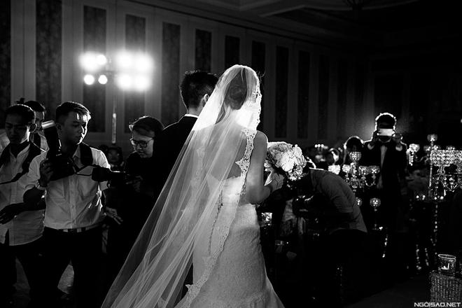 Khoảnh khắc xúc động ở đám cưới Á hậu Diễm Trang