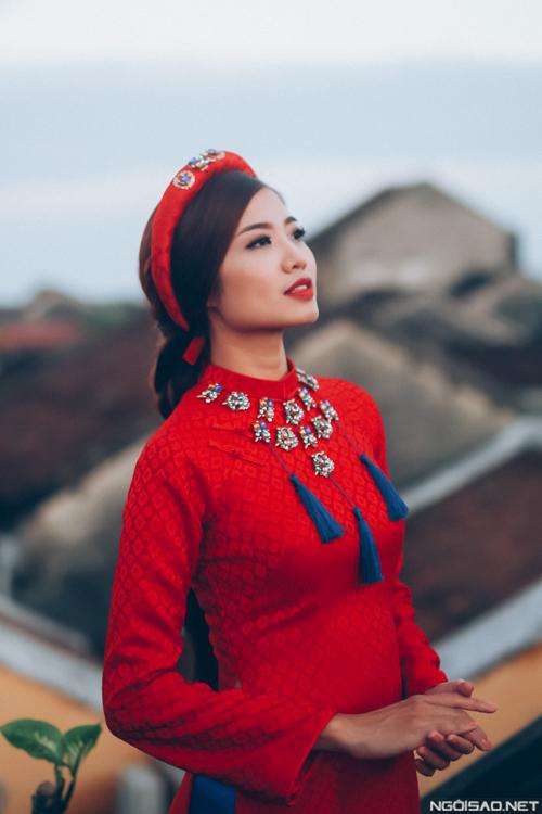 ninh-hoang-ngan-kieu-sa-voi-ao-dai-gam-long-lay-6
