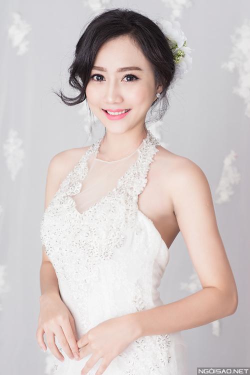 Bộ ảnh được thực hiện bởi ekip photo: Nguyen Si Hieu, người mẫu: Lona Huỳnh, váy cưới và phụ kiện: Anh Tú, trang điểm và làm tóc: Nguyễn Hoàng Lin.