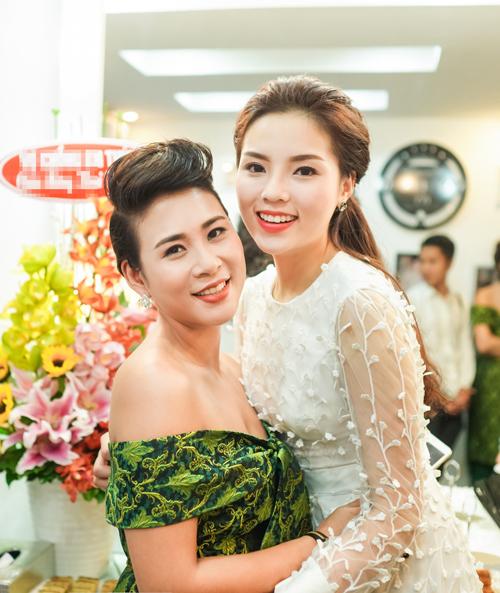 Ky-Duyen-va-NTK-Ha-Minh-Phu-2051-1452480