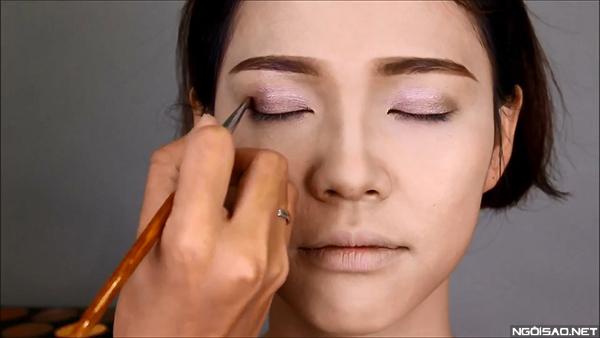 goi-y-makeup-tre-trung-cho-co-dau-toc-ngan-2