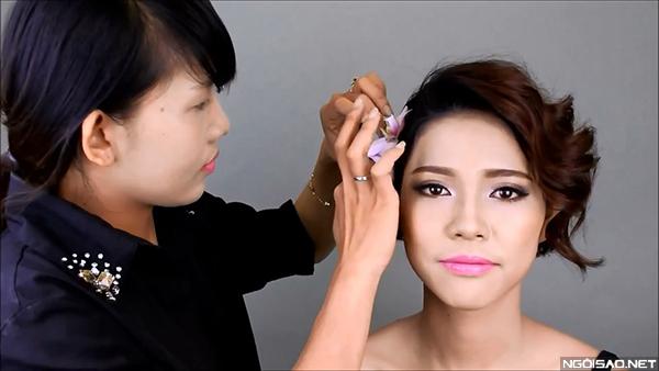 goi-y-makeup-tre-trung-cho-co-dau-toc-ngan-3