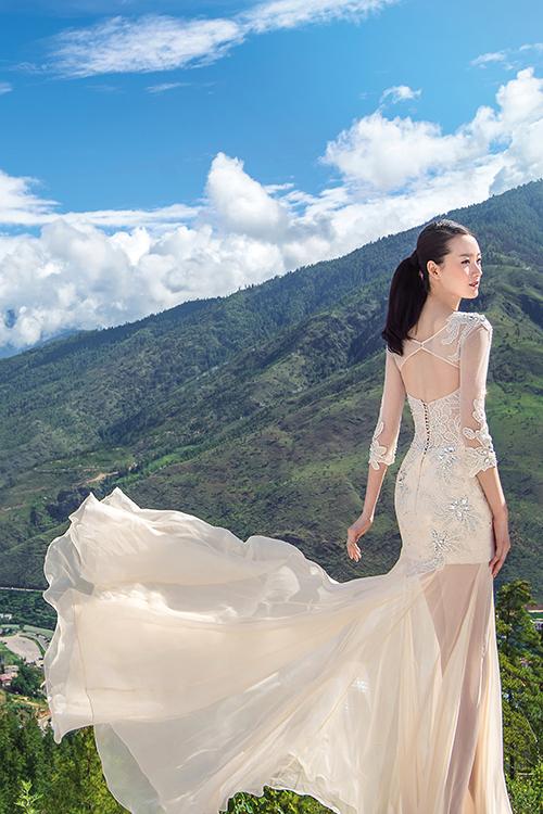 Mẫu váy cưới xuyên thấu tuyệt đẹp dành cho cô dâu sexy 11