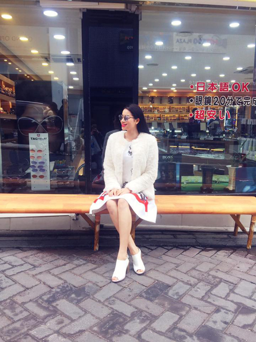 street-style-thanh-lich-cua-pham-huong-1