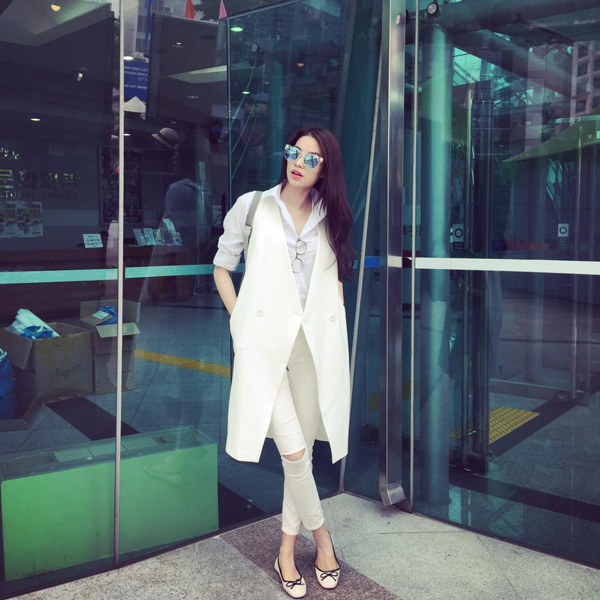 street-style-thanh-lich-cua-pham-huong-8