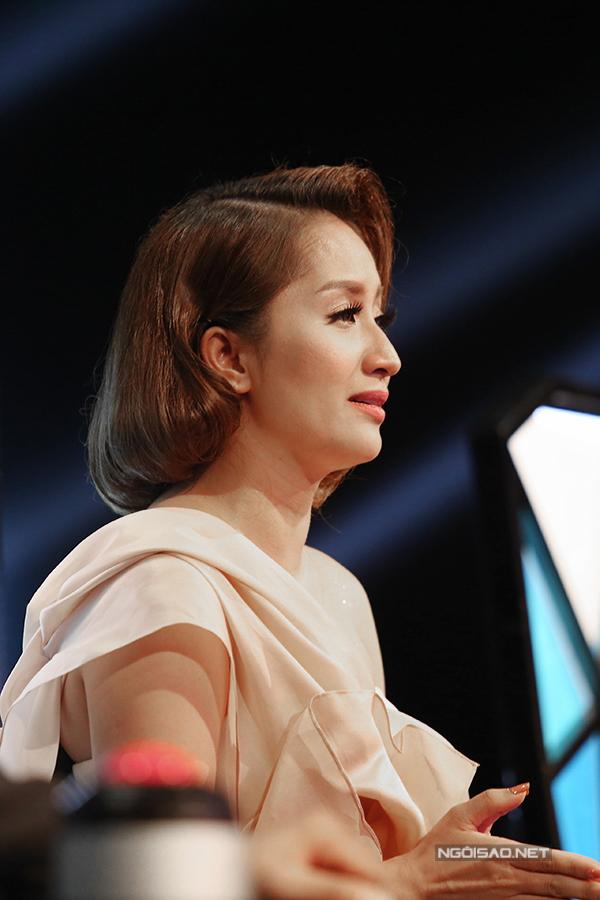 Tiết mục của cô đã khiến giám khảo Khánh Thi bật khóc trên  ghế nóng bởi kiện tướng dance sport có hoàn cảnh y hệt nhân vật trong bài thi.