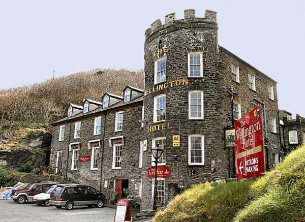 Wellington là một trong những khách sạn lâu đời nhất của Cornwall.