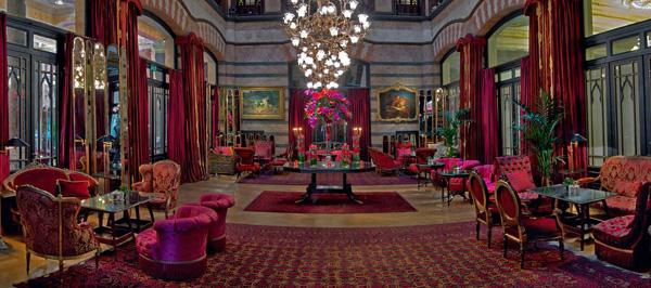 Khách sạn Pera Palace Jumeirah mở cửa lần đầu vào năm 1892.
