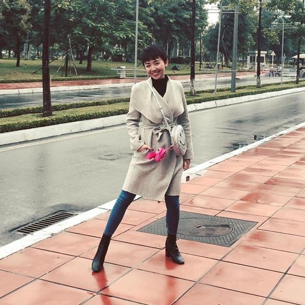 sao-viet-xuong-pho-voi-quan-om-sexy-10