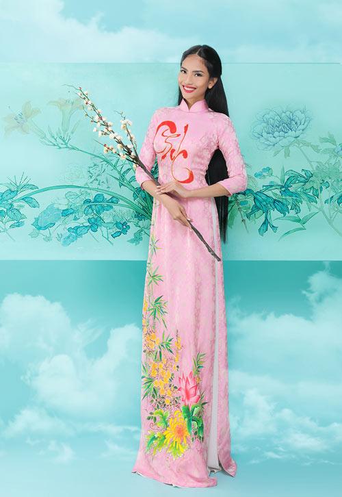 truong-thi-may-khoe-dang-cung-ao-dai-xuan-3