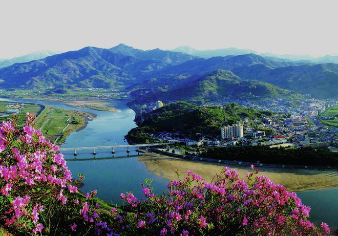 Vẻ đẹp ít biết về \'dãy Alps của xứ sở kim chi\'