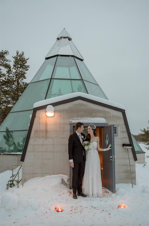 Cặp đôi chụp ảnh 16 tiếng ở vùng tuyết trắng Phần Lan