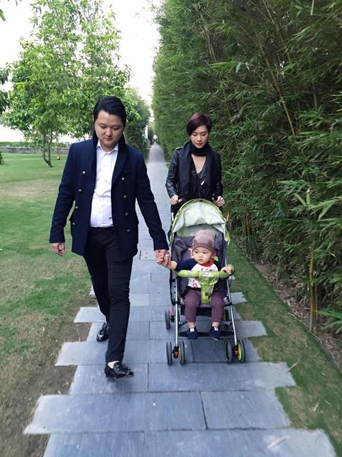 Vợ chồng Trà My Idol cùng 'hoàng tử nhí' đến Đà Nẵngở một resort cao cấp hưởng kỳ nghỉ trong dịp Tết dương lịch.
