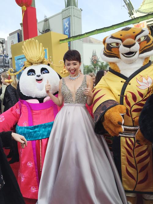 Tóc Tiên là đại diện duy nhất của Việt Nam tham gia sự kiện họp báo của phim 'Kungfu Panda 3', diễn ra vào ngày 17/1 tại nhà hát Chinese Theater , Los Angeles, Mỹ.