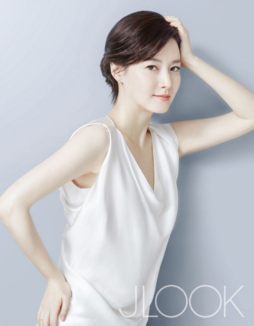 Lee-Young-Ae5-8431-1454323616.jpg