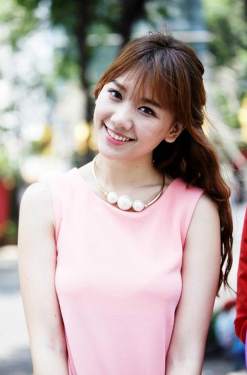 pham-huong-minh-hang-mang-mot-toc-mai-mua-tro-lai-4