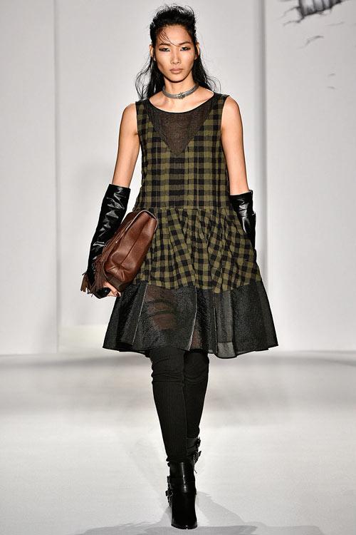 hoang-thuy-lan-thu-4-tan-cong-london-fashion-week