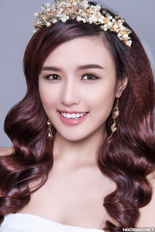 phuong-chi-goi-y-3-kieu-makeup-co-dau-hien-dai
