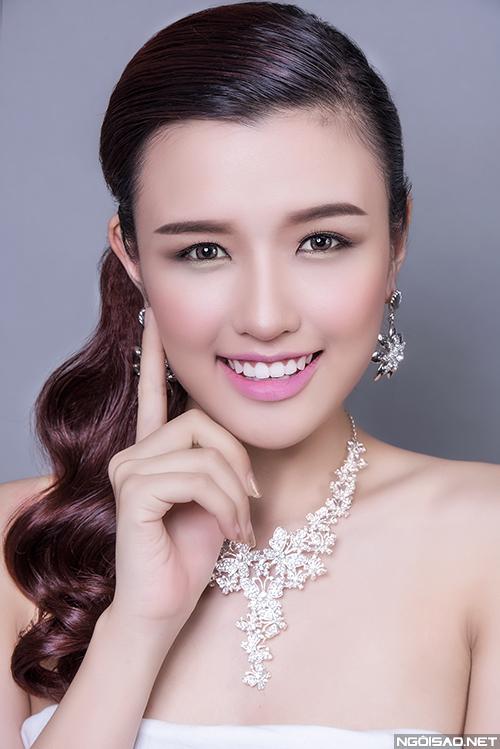 phuong-chi-goi-y-3-kieu-makeup-co-dau-hien-dai-3