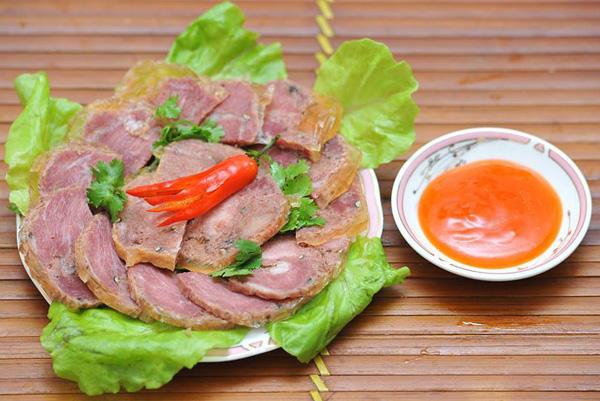 14-dac-san-xu-nghe-hut-khach-thap-phuong-13
