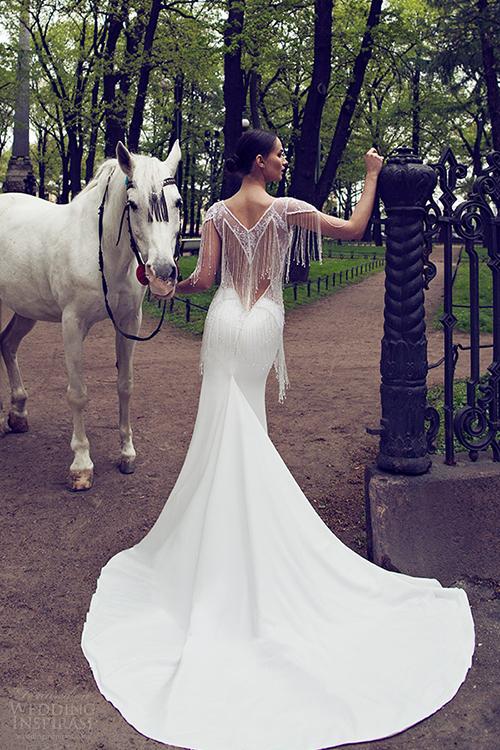 Những mầu váy cưới sexy hoàn hảo nhìn là mê 10