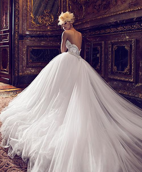 Những mầu váy cưới sexy hoàn hảo nhìn là mê 14