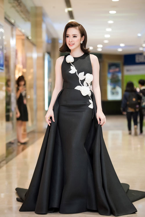 [Image: 1-angela-phuong-trinh-2608-1457328636.jpg]